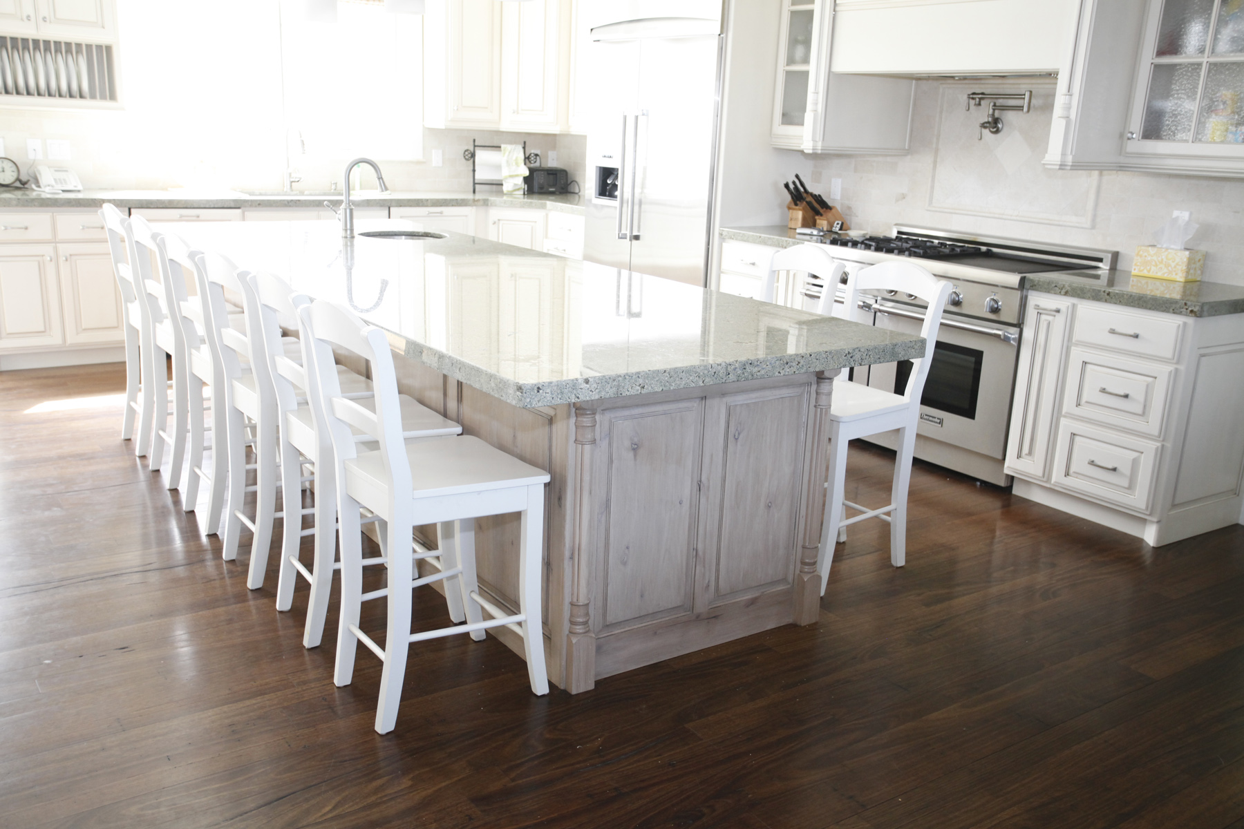 High Quality Hardwood Floor Kitchen